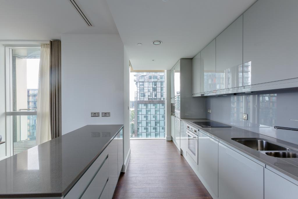 Sirocco Tower, Harbour Way, Canary Wharf, Blackwall, London, E14 9YX