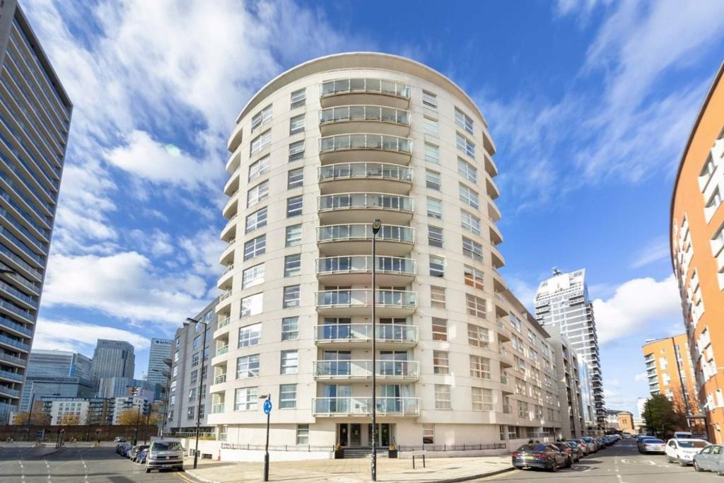 Aurora Building, Blackwall Way, Blackwall, Canary Wharf, London, E14 9NZ