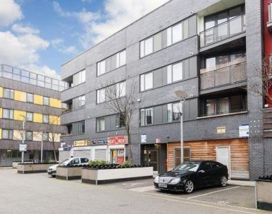Warwick Apartments, 132 Cable Street, Aldgate, Whitechapel, Shadwell, London, E1 8NU